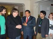 """Michael Moore alaba gestión Chávez """"agradece"""" influencia América Latina"""