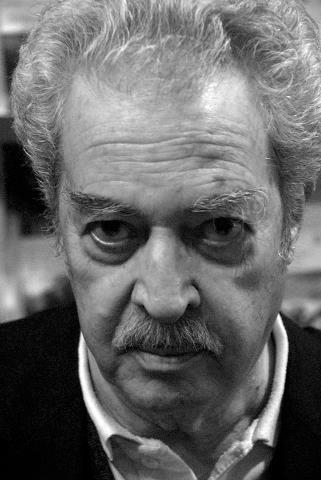 Hoy…José Miguel Varas enteraría 85 años…Rebeca Godoy.
