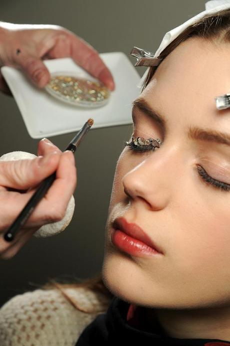 Shine bright like Chanel Fall/Winter 2013-2014 glittery makeup!