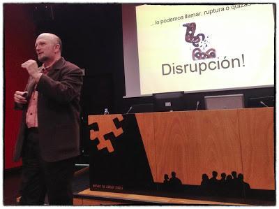 De los espacios de aprendizaje a la disrupción transmedia