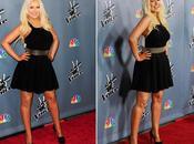 Christina Aguilera luce nuevas curvas