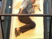 Tilda Swinton duerme cajón cristal MoMa Nueva York