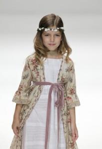 Vestido de Comunión de Bonnet a Pompon - Joyería Online