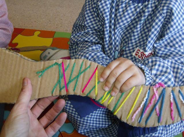 Tejer con telar: varias técnicas para niños   Manualidades