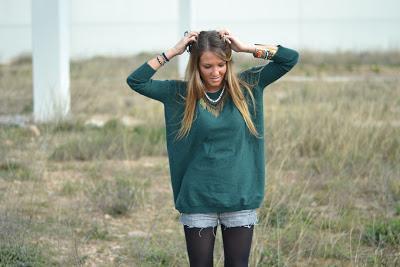 Calçotada (Green Pullover)