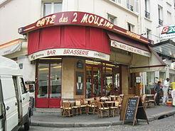 Café de Los Dos Molinos, en Montmartre, París.