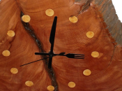 Relojes madera, arte directo sierra
