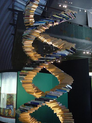 Escultura DNA, Museo Casa del Hombre (A Coruña)