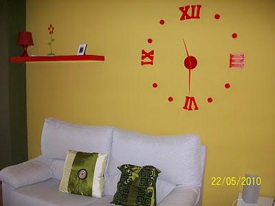 El reloj de pared de maria luz y domingo paperblog - Reloj pegado pared ...