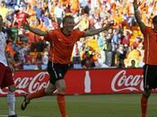 Holanda derrota Dinamarca