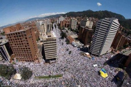Hecho historíco: El Pueblo colombiano marchó por la Paz en la toma a Bogotá .