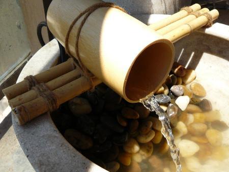Hacer una peque a fuente para el jard n paperblog for Como hacer una fuente en el jardin