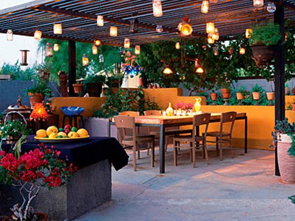 C mo iluminar el exterior paperblog for Luces colgantes para jardin
