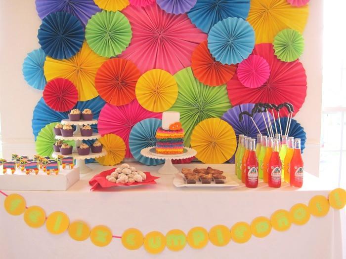 Ideas para la decoraci n de una fiesta 5 de mayo paperblog for Decoracion con abanicos