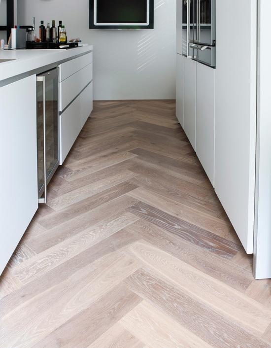 Suelos de madera en espiga paperblog for Suelos laminados en espiga