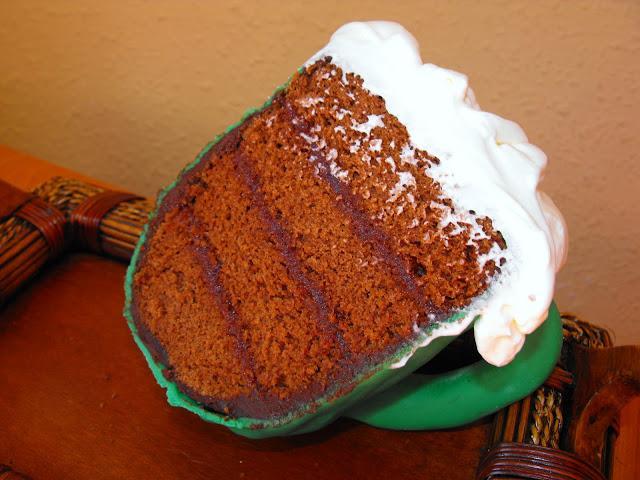 Mini tarta en forma de jarra de cerveza para celebrar el día de San Patricio