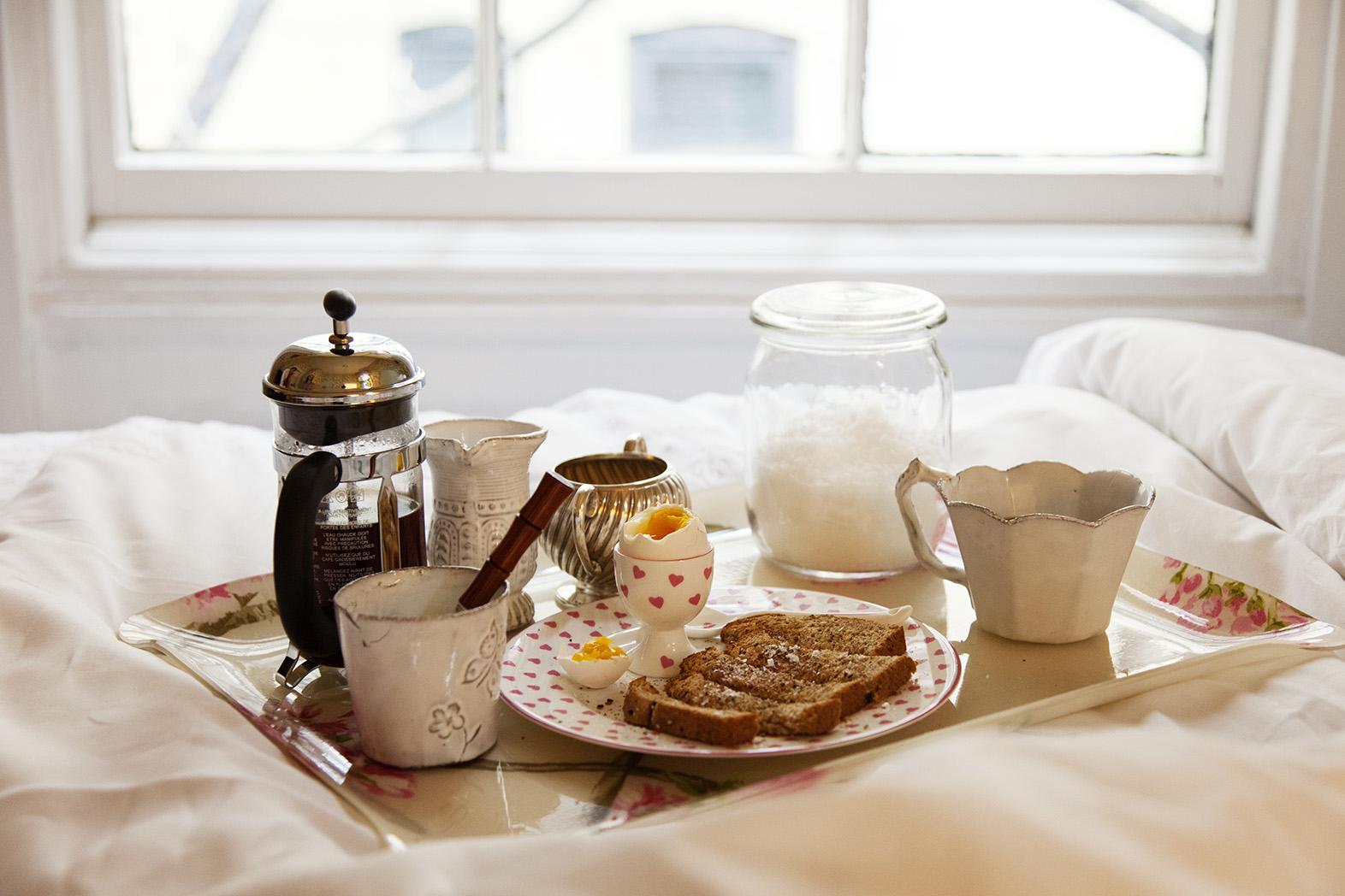Vintage para cama y desayuno con texto en inglés: