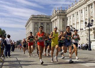 Los corredores del maratón que beban cuando tengan sed