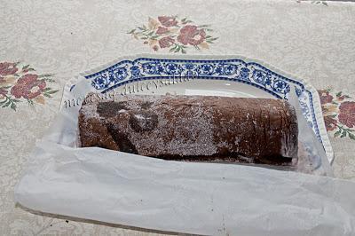 BRAZO DE GITANO (PASO A PASO) DE HELADO DE FRESA Y CHOCOLATE