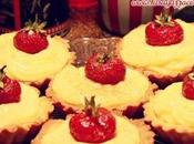 Crostatine almendras crema pastelera naranja fresas caramelizadas
