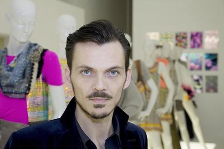 Matthew Williamson, color y estampados de pavo real