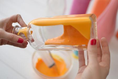 Diy convertir botellas y tarros de cristal en jarrones for Tarros de cristal vintage