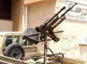 Varios armados mantienen cercados ministerios libios Trípoli