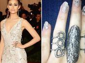 decides: nail art,