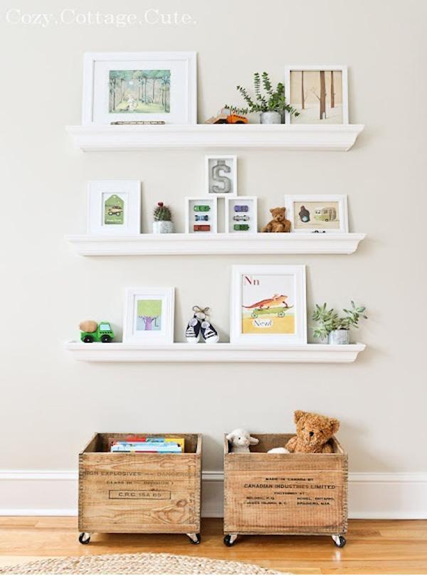 Cajones de frutas transformados en mobiliario low cost paperblog - Estanterias guardar juguetes ...
