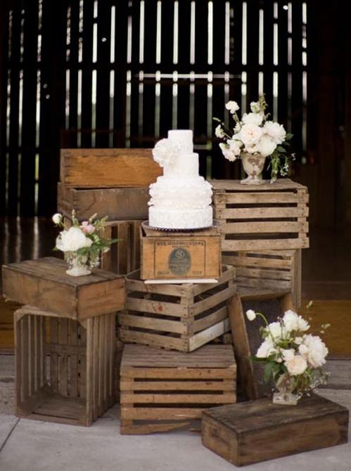 Cajones de frutas transformados en mobiliario low cost for Muebles con cajones de madera