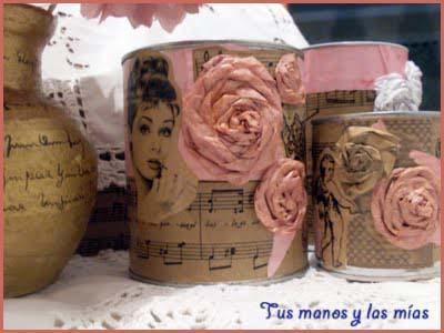 Cuadritos y latas decoradas