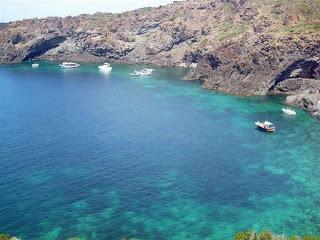 Pantelleria: la isla negra y sus dammusi