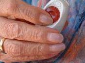 Mujer viuda, mayor años vive sola, perfil medio usuario teleasistencia Junta Andalucía