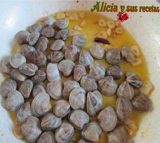 ALCACHOFAS DE TUDELA CON ALMEJAS