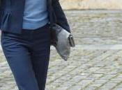 Doña Letizia Yuso, traje azul Hugo Boss