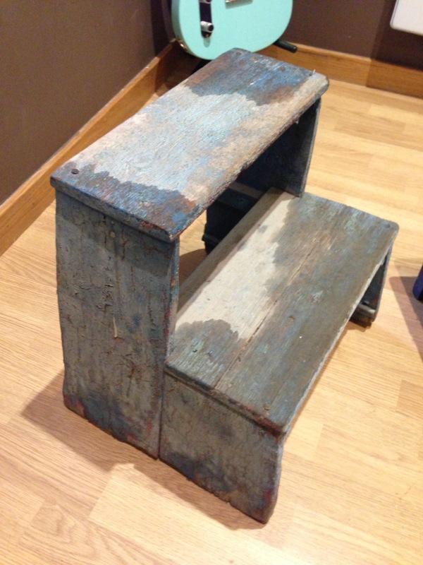 Decorando con escaleras paperblog - Escalera dos peldanos ...