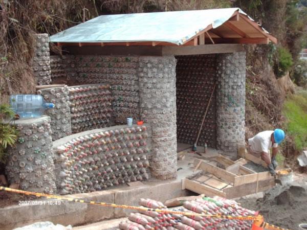 Construir con ecoladrillos una soluci n ecol gica - Construir una casa ecologica ...