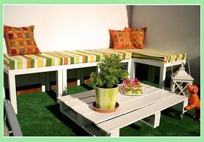 El banco de terraza de haruki con mesas lack paperblog for Decorar terrazas barato