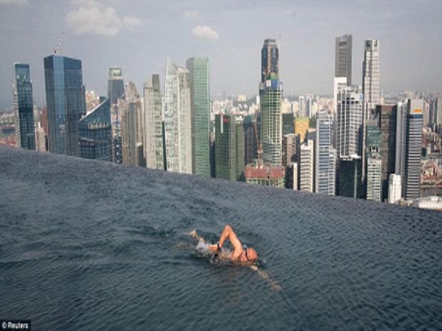 Construyen Piscina De 150 Metros En El Piso 55 En Singapur