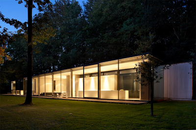 Villa roces casa minimalista en belgica paperblog for Casa minimalista cristal