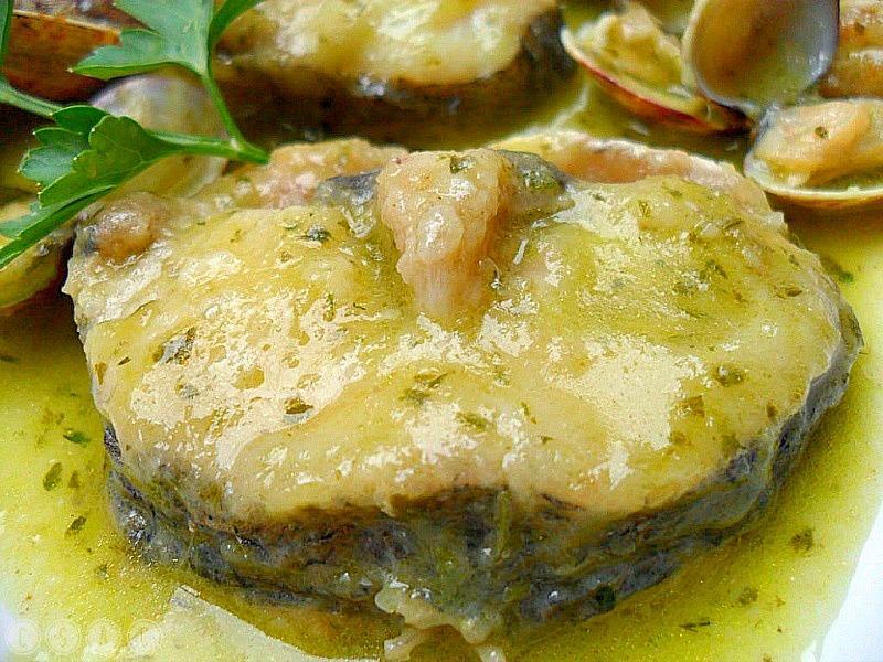 Merluza con almejas en salsa verde paperblog - Almejas con salsa verde ...