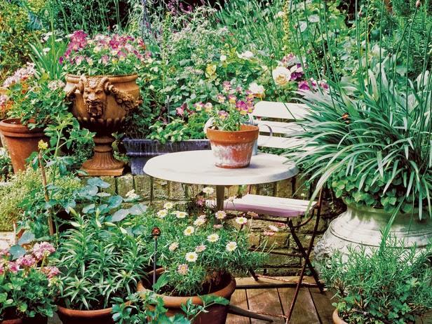 Crear un jard n de macetas paperblog for Como decorar un jardin con macetas