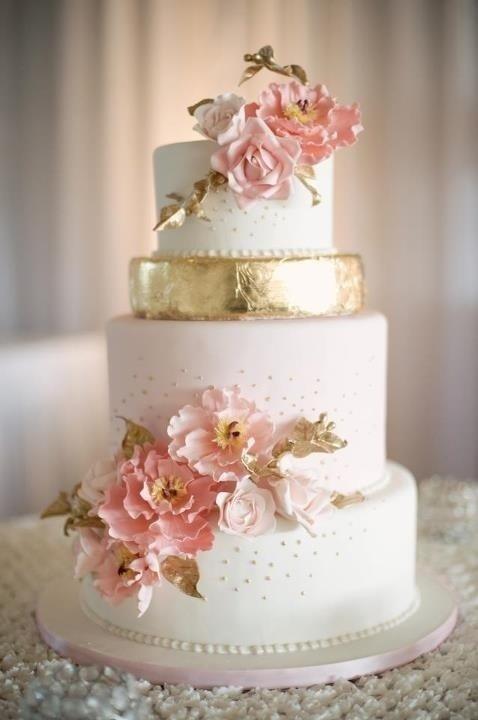 torta decorada de bodas rosa y oro