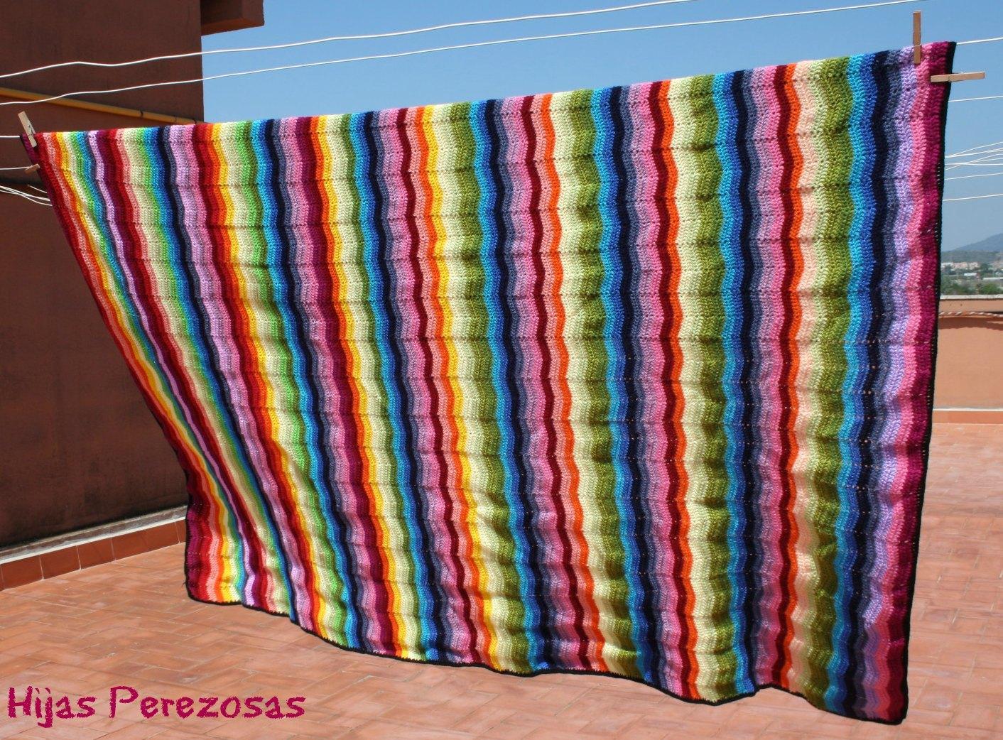 Manta zig zag de ganchillo paperblog - Como hacer una manta de lana para el sofa ...