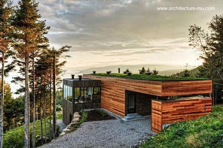 Casa contemporánea en la montaña, Quebec, Canadá