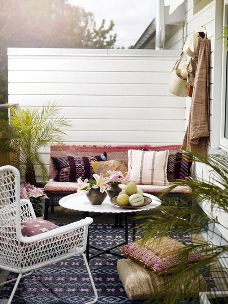 Peque os balcones con encanto paperblog - Patios pequenos con encanto ...