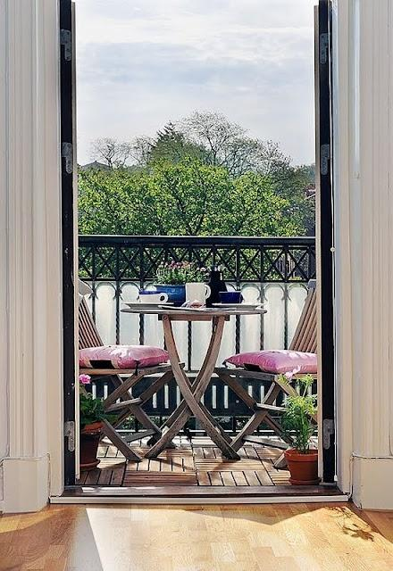 Peque os balcones con encanto paperblog - Muebles para balcones pequenos ...