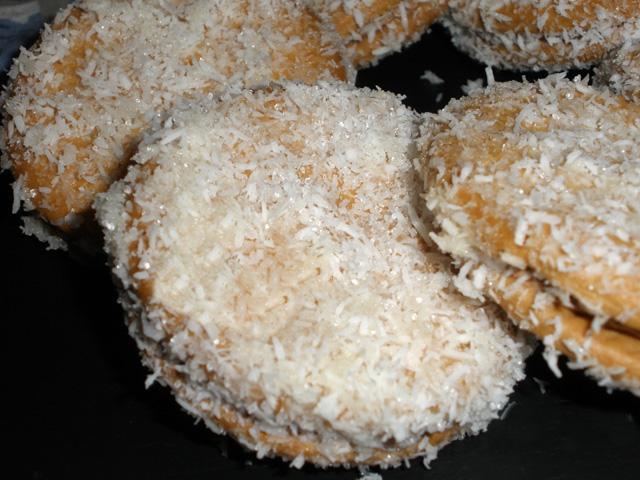 Felipes (galletas de coco rellenas de cacao) bajo en ... Felipe's