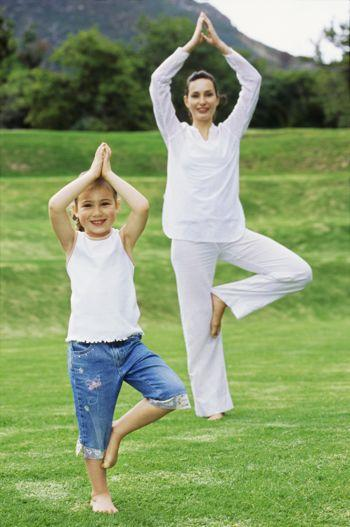 Йога челлендж фото на двоих легкие