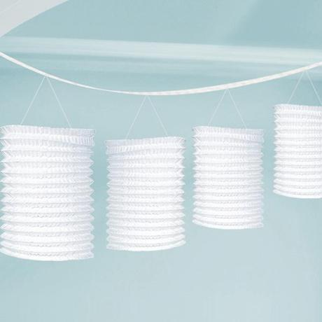 guirnalda de farolillos blancos para decorar bodas
